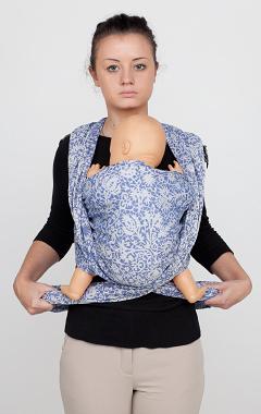 Кормление грудью в слинге