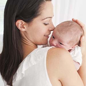 Ношение ребенка на руках