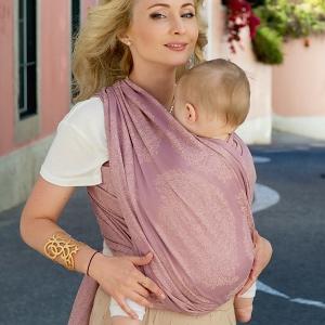 Безопасность ношения в слинге