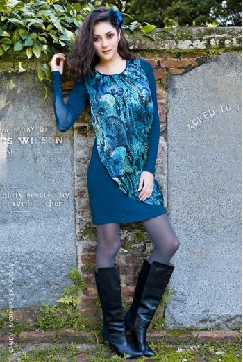 Платье для кормящих Mothers en Vogue Goddess Drape, синий змеиный принт