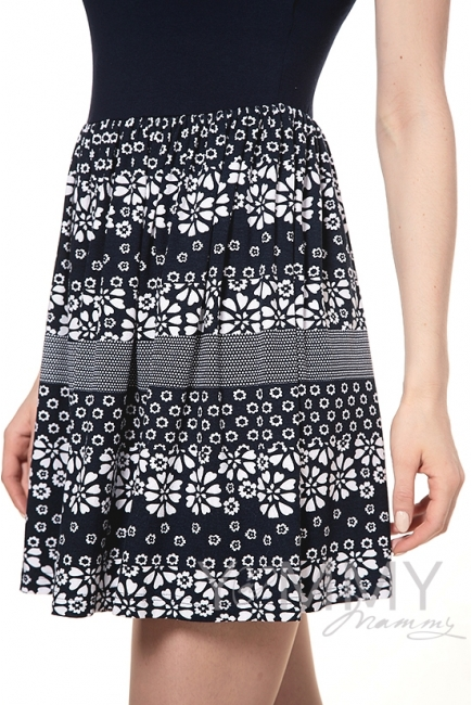 Платье с юбкой на сборке темно-синее с цветочным принтом для кормящих